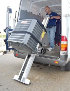 Tailgate lift feature