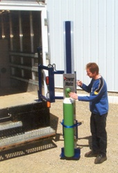 Moving compressed gas